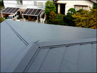 横浜市港南区の施工事例 屋根カバー工事
