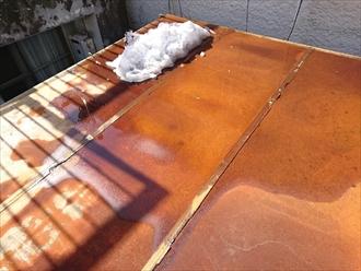 横浜市中区でプレハブ屋根の雨漏り修理工事です