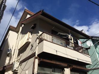 横浜市中区で軒どいからの雨漏れと雪止め増設の調査