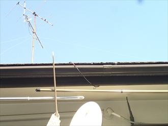 横浜市保土ヶ谷区で火災保険で雨樋を修理します