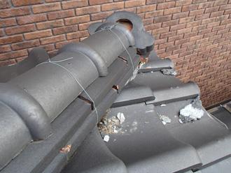 川崎市中原区の屋根点検で棟瓦の漆喰劣化から棟瓦取り直し工事をご提案