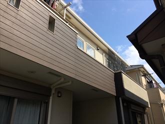 藤沢市築7年の住宅で雪が原因で軒樋が開いて勾配不良