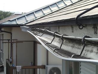 川崎市多摩区で雨どい(グンバイ DL-75)の破損から雨どい交換をご提案