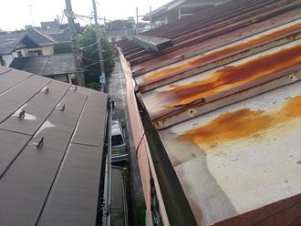 藤沢市で軒天の剥がれや雨樋のゆがみ、雨漏りも発生