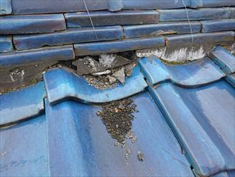 横浜市戸塚区で瓦屋根から金属屋根へ葺き替えで軽量化