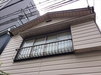 湘南茅ヶ崎市1箇所の雨樋破損により他の箇所の破損も誘発