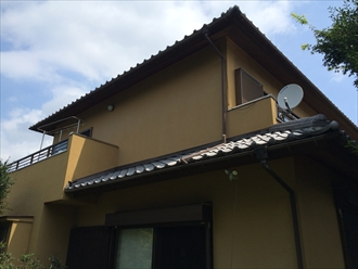 湘南地区茅ヶ崎市日本瓦のお宅で瓦のズレと棟の隙間