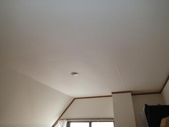 川崎市川崎区にてアパートの折半屋根にカバー工事をご提案