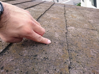 横浜市西区で傷みが酷いスレートは塗装ではなくカバー工事