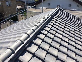 県央地区座間市瓦屋根の調査で漆喰と棟の状態を確認