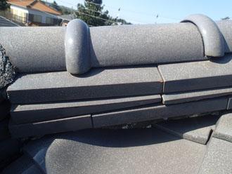 茅ヶ崎市にて瓦屋根の漆喰の劣化と谷板金の劣化