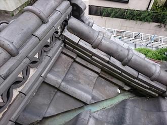 川崎市宮前区でズレ始めた棟瓦を崩れる前に直します