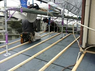 横浜市港北区でトタン屋根からガルバリウム鋼板へ葺替え工事