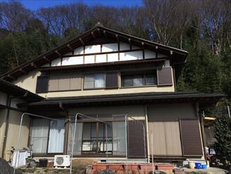 横浜市磯子区雪解け後の落ち葉除けネット調査で雨樋破損のご報告