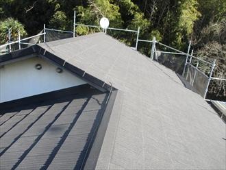 横浜市南区で日本瓦から金属系屋根材エコグラーニへ葺き替え