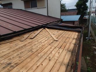 瓦棒屋根葺き替え工事ビフォア
