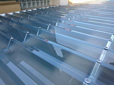 ポリカ,折板屋根