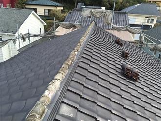 横浜市中区棟瓦取り直しで既存の接着がセメントだと時間がかかる