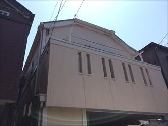 横浜市都筑区積雪による雨樋の破損の原因はお隣さんの屋根?