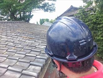 横浜市南区で雨漏りしている瓦屋根の葺き替え工事