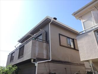 横浜市磯子区山や丘の上にあるお宅は棟板金の破損に要注意