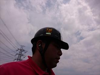 横浜市泉区で近所で工事中の業者から板金の浮きを指摘された建物