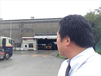 横浜市鶴見区高所作業で難しい工場雨樋のメンテナンス