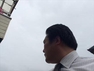 横浜市港南区負荷が掛かると硬質塩ビ製の雨樋も変形してくる