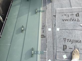 屋根の葺き始め