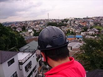 屋根が浮いているのですぐに直した方が良いと業者が来ませんか?|横浜市保土ケ谷区