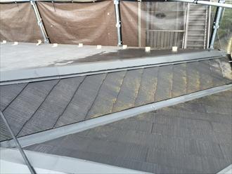 化粧スレート屋根高圧洗浄中②