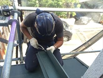 横浜市南区スーパーガルテクトを使用した屋根カバー工事③