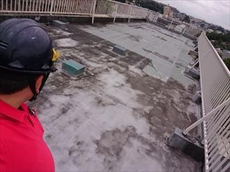 屋上防水の劣化は雨漏りに直結します|横浜市保土ケ谷区