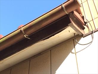 瓦屋根では木製防水紙の傷みによる雨漏りが多い|横浜市保土ヶ谷区