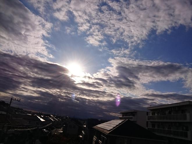 屋根の勾配が緩いと雨水が溜まりやすくなります|横浜市金沢区