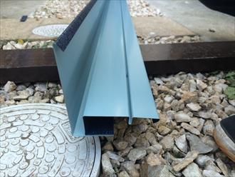 スーパーガルテクトの屋根カバー工事でケラバ材の加工|横浜市磯子区