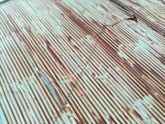 劣化の激しいトタン屋根
