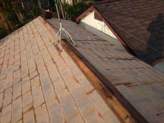 台風で飛んでしまった棟板金を元に戻します|三浦郡葉山町