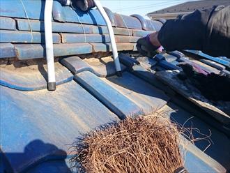 凍害で表面が破損した瓦屋根の漆喰工事|横浜市鶴見区