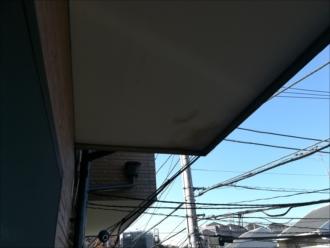 軒裏天井の雨染み