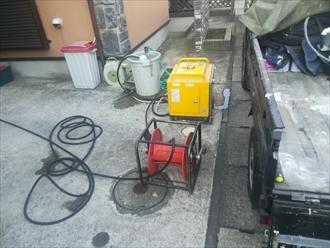 横浜市金沢区|サッシ周辺からの雨漏り、原因究明のため散水試験