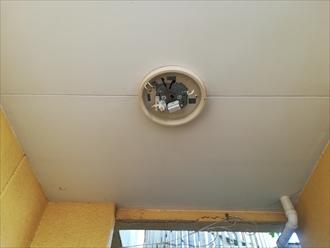 横浜市港北区|玄関先の屋根から雨漏り、そして漏電