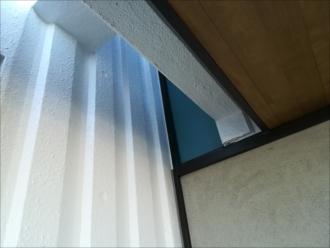 凸凹のコンクリート壁