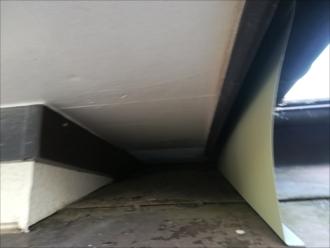 雨漏りの原因と考えられるトタン屋根