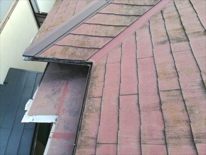 川崎市宮前区|雨漏り原因は屋根の下のトタンの隙間!?