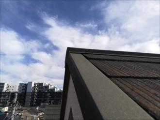 横浜市緑区|3階建てのお家、屋根の棟板金の釘浮き調査