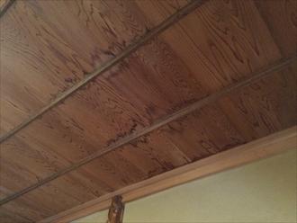 瓦屋根の降り棟や丸瓦が交差する部分は雨漏りしやすい|横浜市栄区