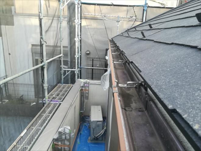 横浜市神奈川区|雨樋の詰まりを未然に防ぐ雨樋清掃