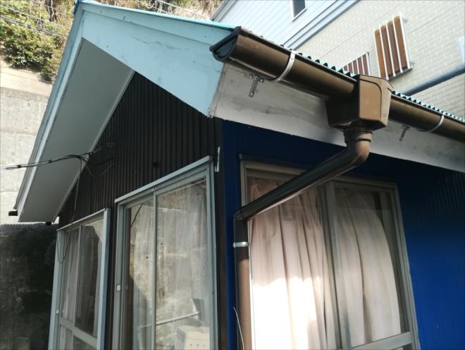横浜市保土ヶ谷区|雨樋の取付けは勾配調整が重要です