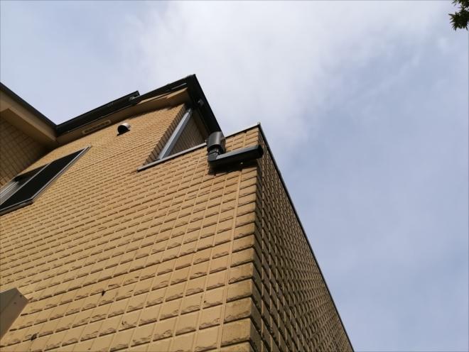 横浜市栄区|雨樋の破損と外壁の亀裂、その原因は!?